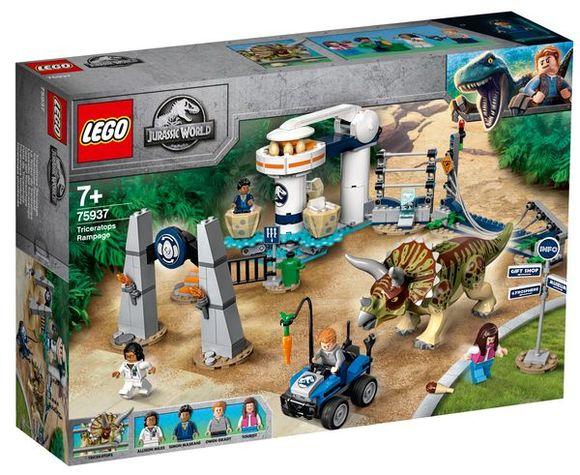 LEGO Jurassic World 75937 Triceratopsovo besnenie
