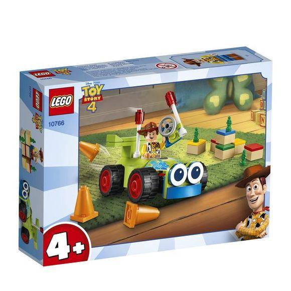 LEGO Toy Story 4 10766 Woody a športiak na diaľkové ovládanie
